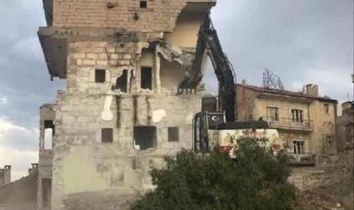 Nevşehir'de kullanılmayan binalar yıkılıyor!